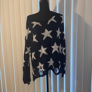 NWOT Wildfox Star Sweater. Medium